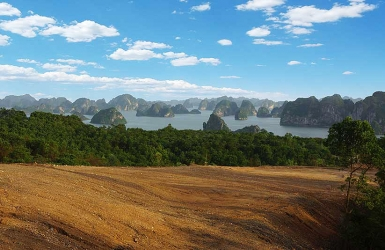 Schmidt-Curley Design to create a new 18-hole golf course in Ha Long City.